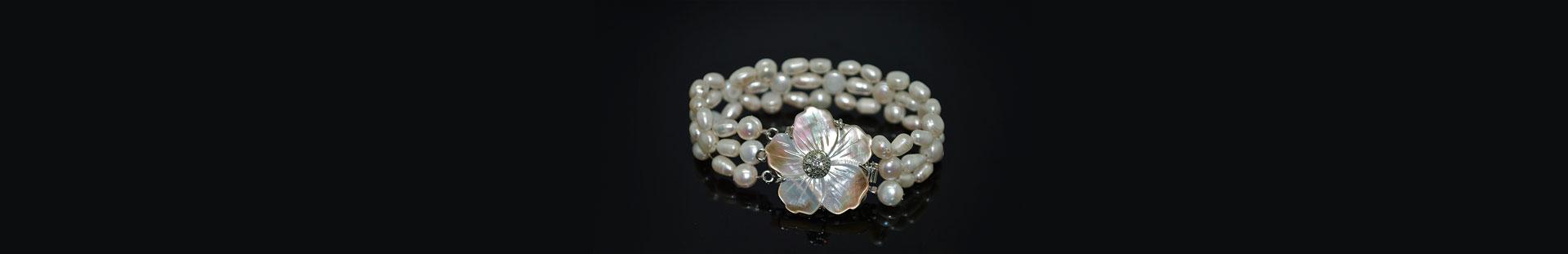 <strong>Bracelets