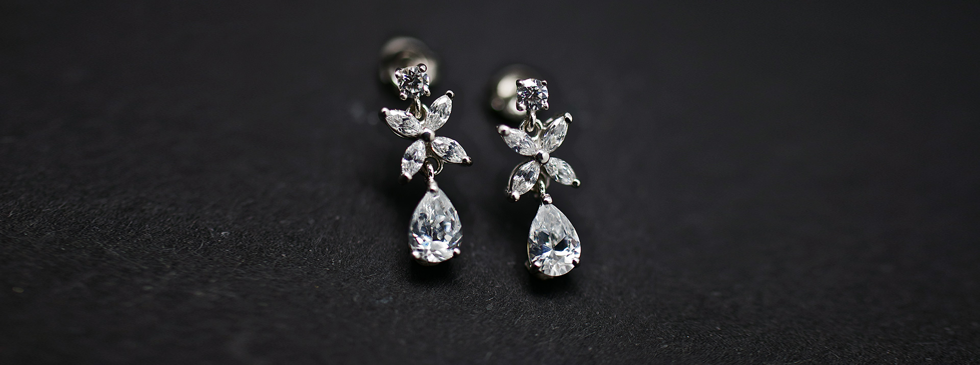 Earrings_Banner